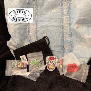 """STEVE MADDEN """"STUCK ON STEVE"""" LARGE TOTE WITH PINS"""